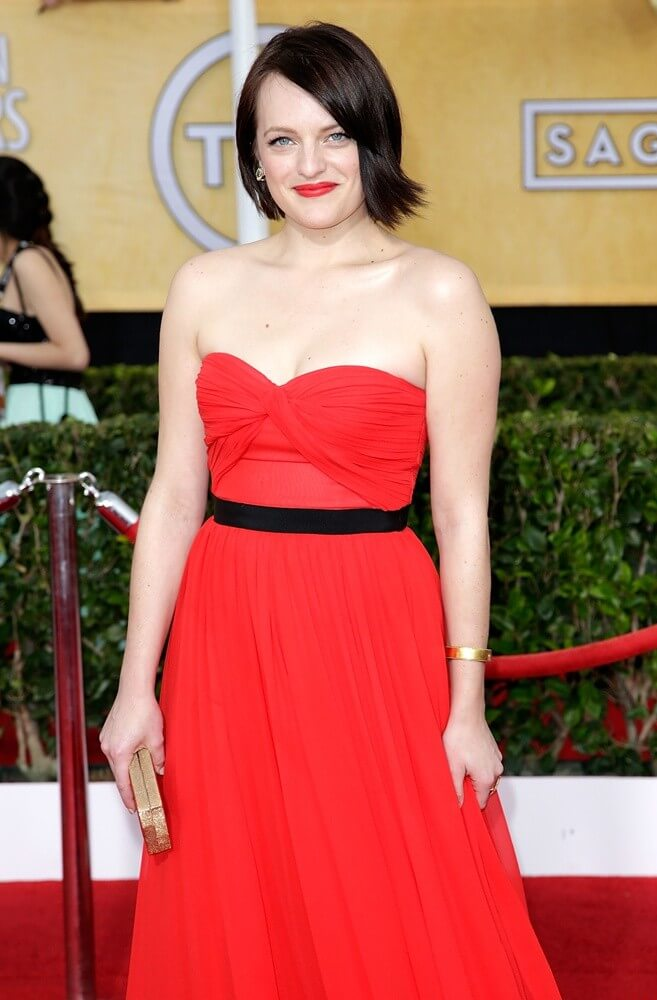 Elisabeth Moss sexy busty pictures