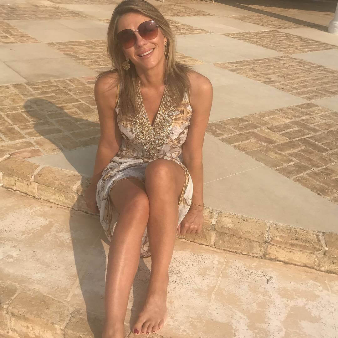 Elizabeth-Hurley awesome pic