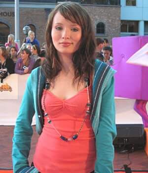 Emily Browning sexy busty pcs