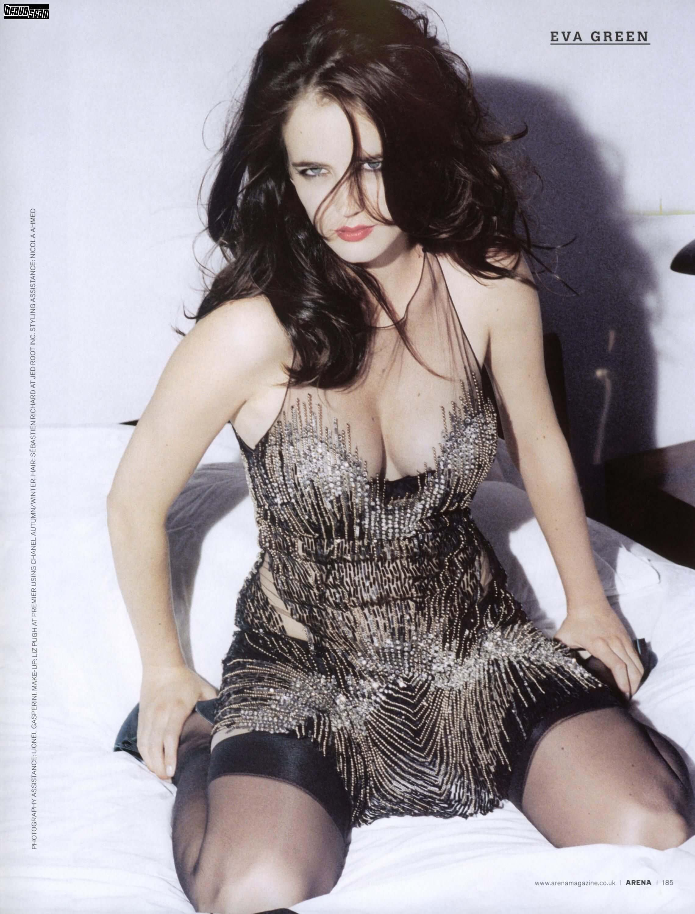 Eva-Green-cleavage-pic