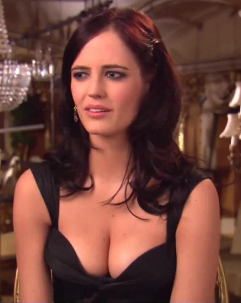 Eva-Green-hot-cleavage- (2)