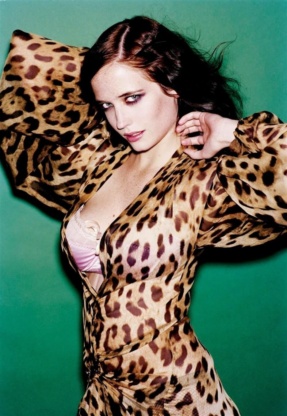 Eva-Green-hot-dress-pic-3