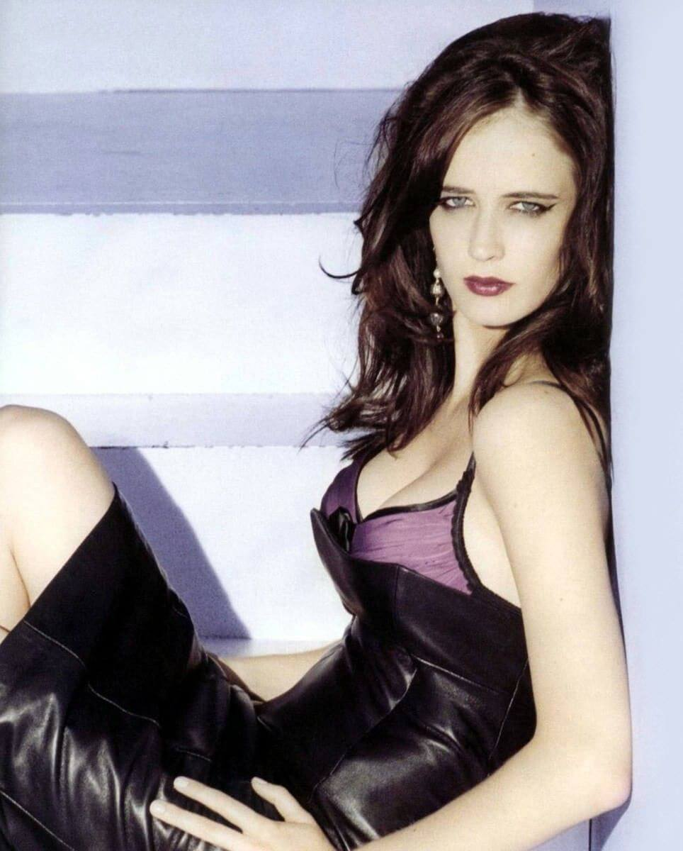 Eva-Green-hot-look