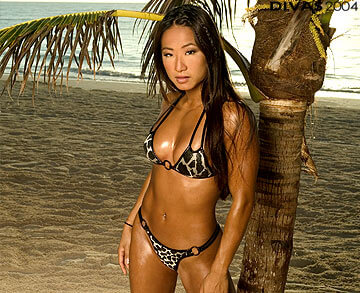 Gail Kim sexy look pic