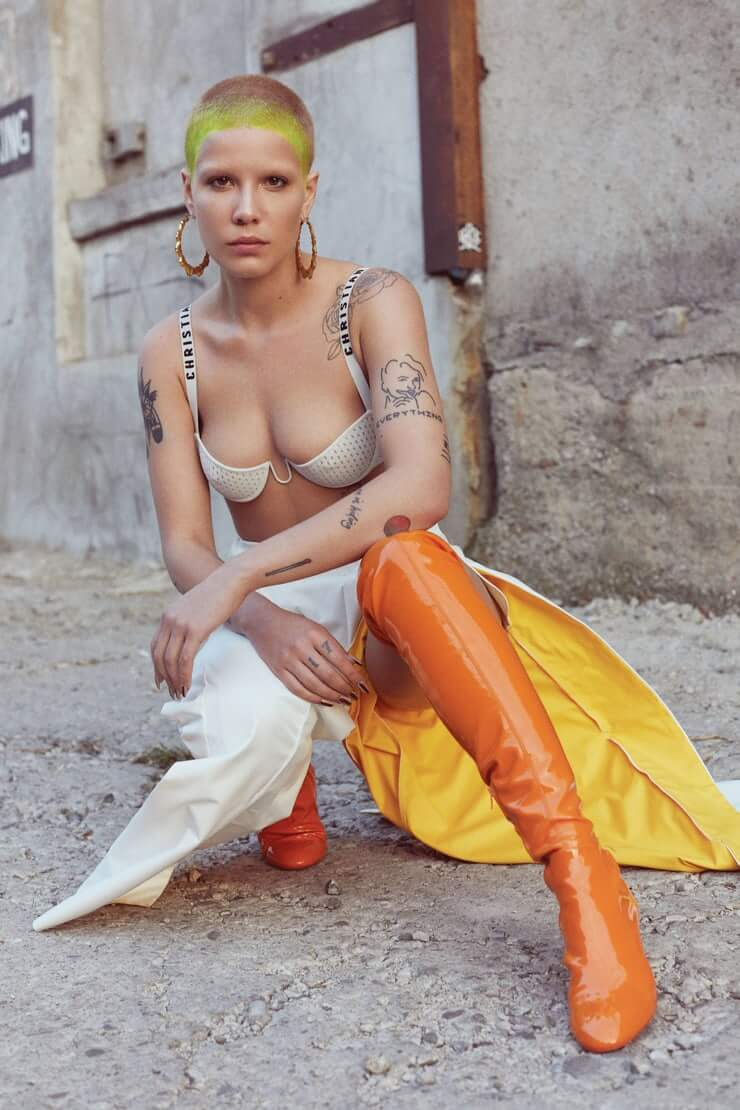Halsey hot picture (1)