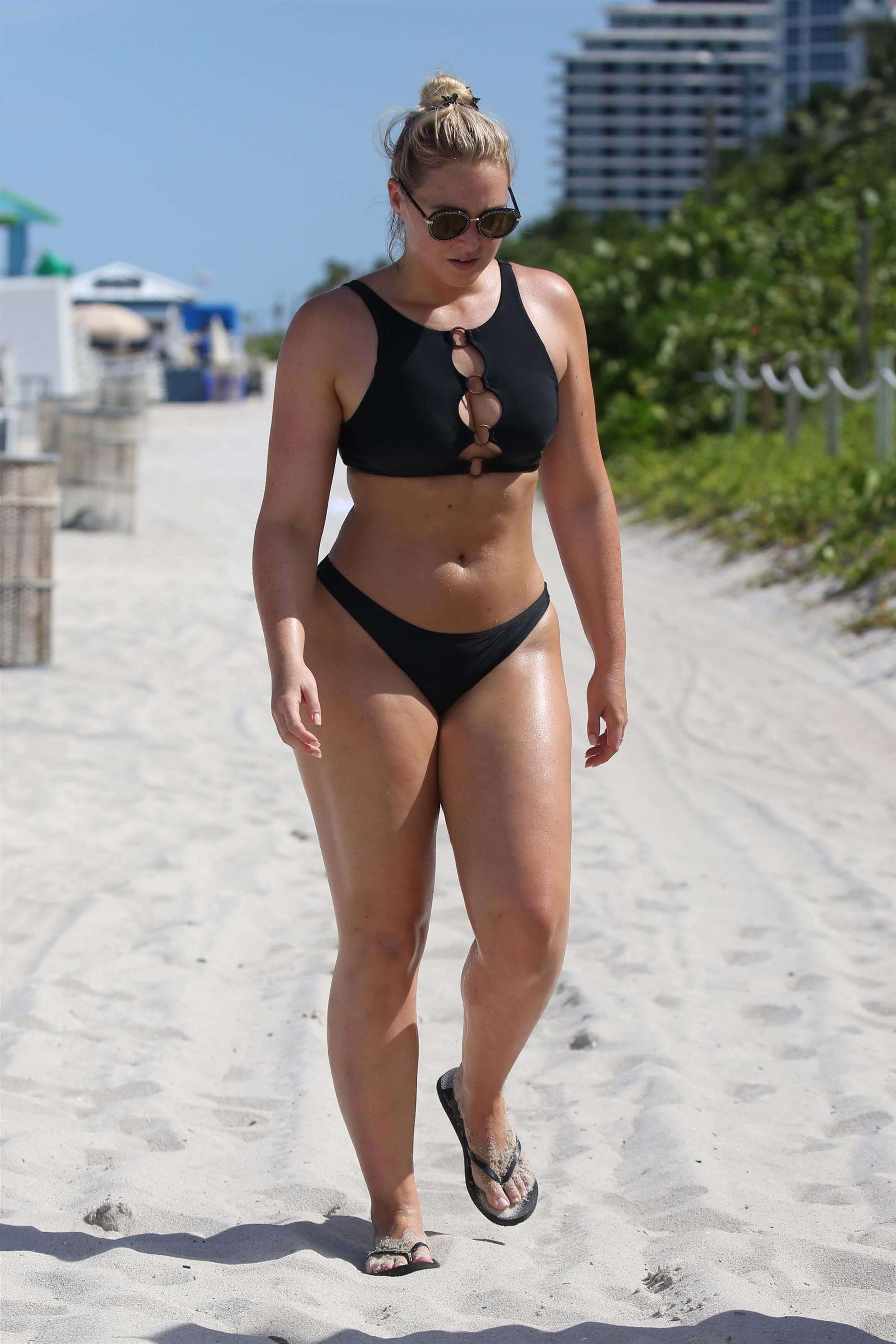 Iskra lawrence hot look pic