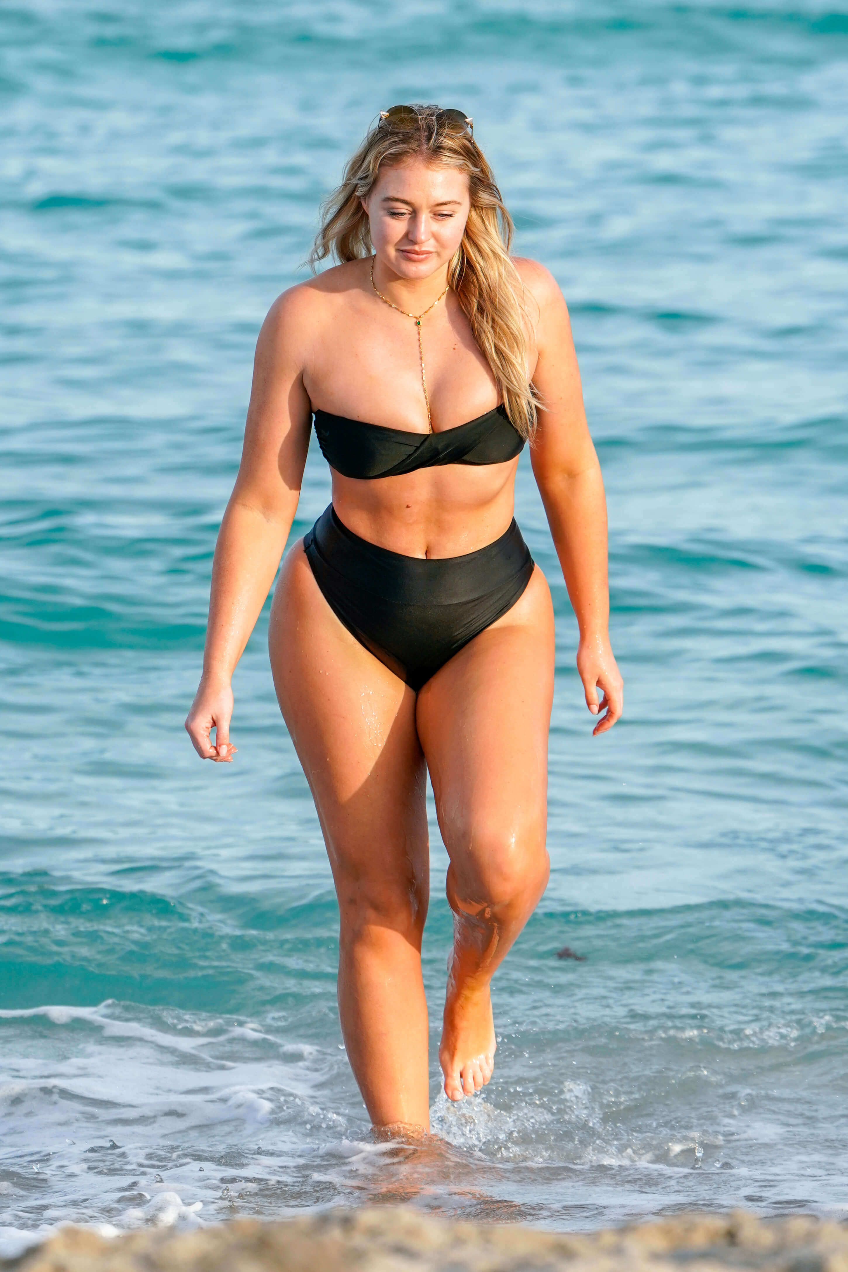 Iskra lawrence hot photo