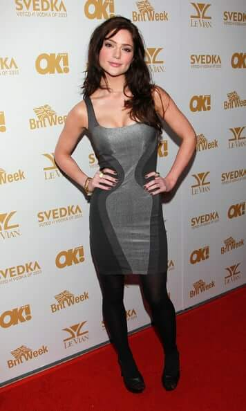 Janet Montgomery cleavage
