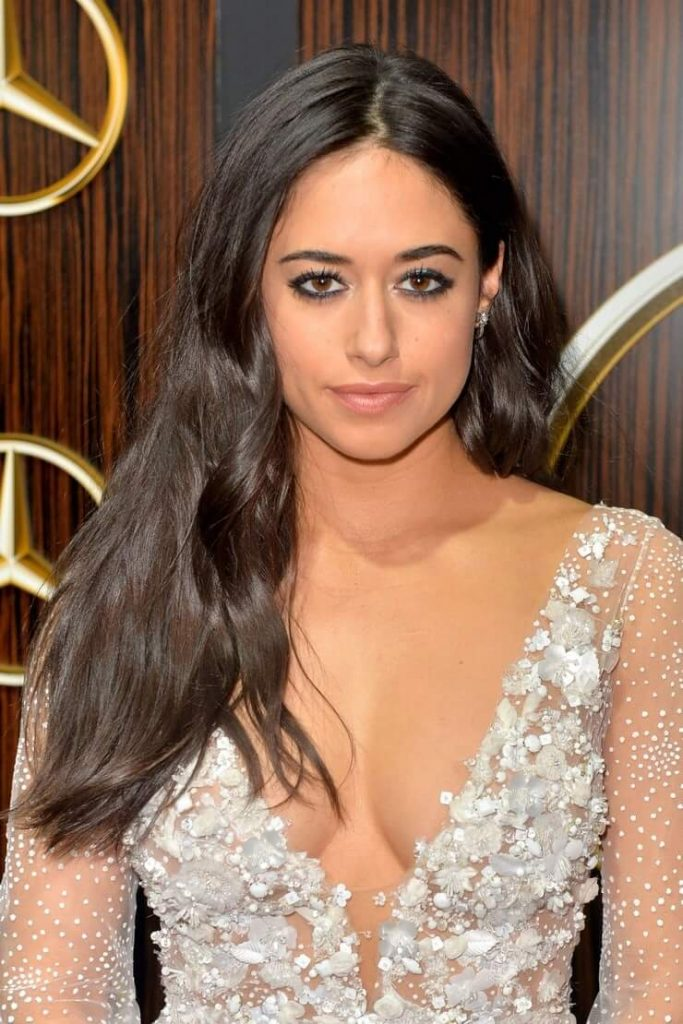 Jeanine-Mason-sexy-boobs-cleavage-1-683x1024