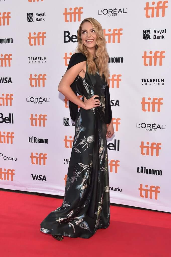 Jessica Rothe amazing pictures (2)