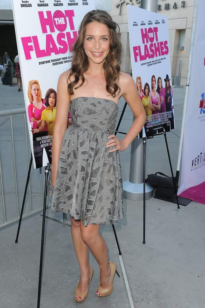 Jessica Rothe amazing pictures (3)
