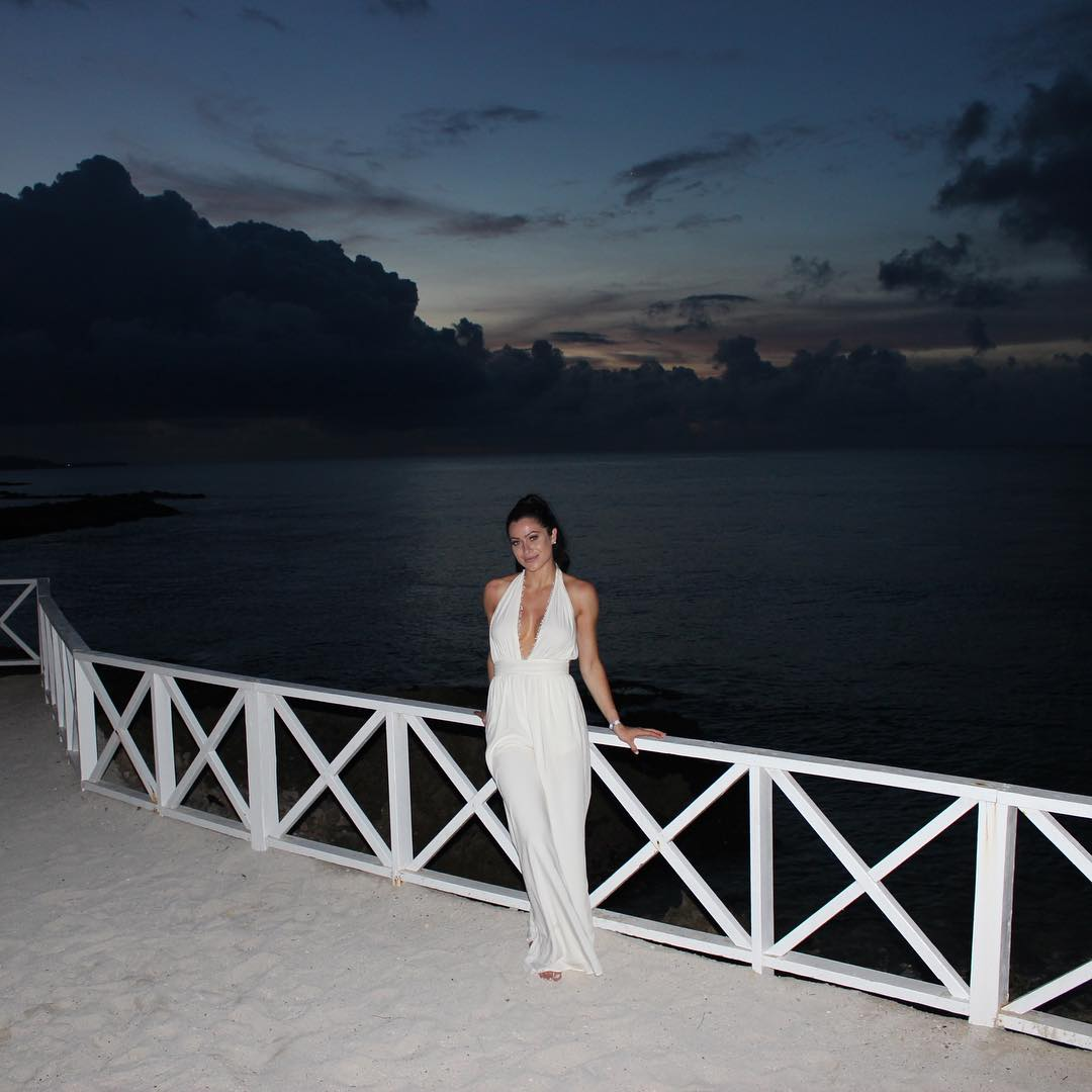 Jonelle Filigno white dress pic