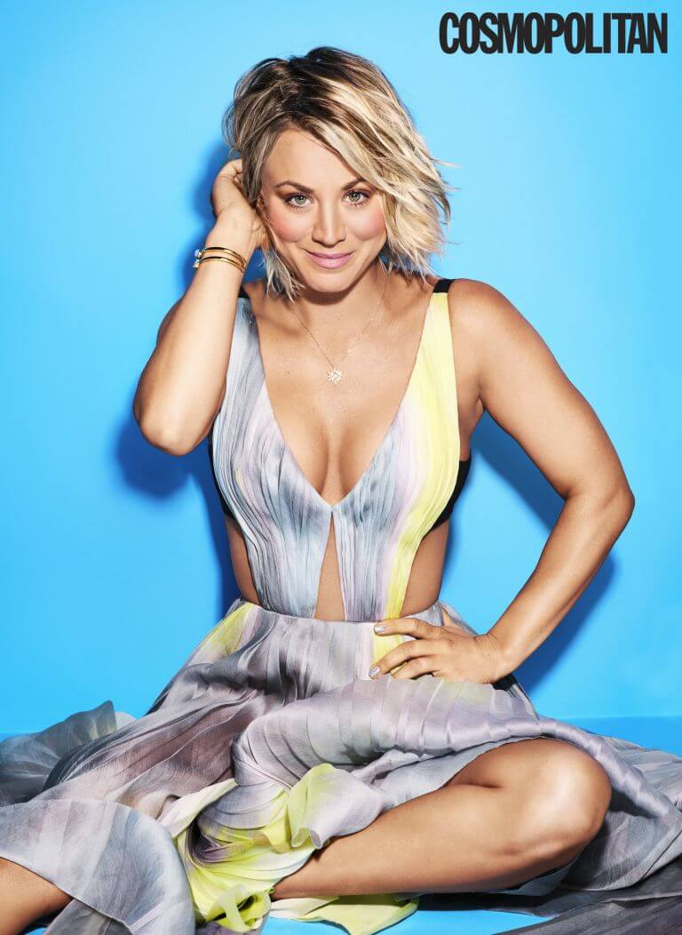 Kaley Cuoco cleavage pics (2)