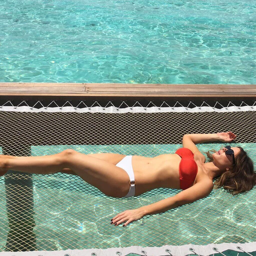 Kate Beckinsale sexy pic (2)