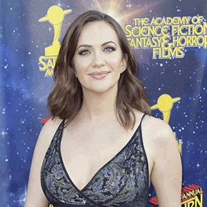 Kate Siegel hot busty pic