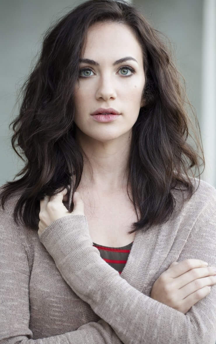 Kate Siegel sexy picture (2)