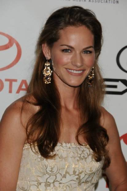 Kelly Overton awosem photo (3)