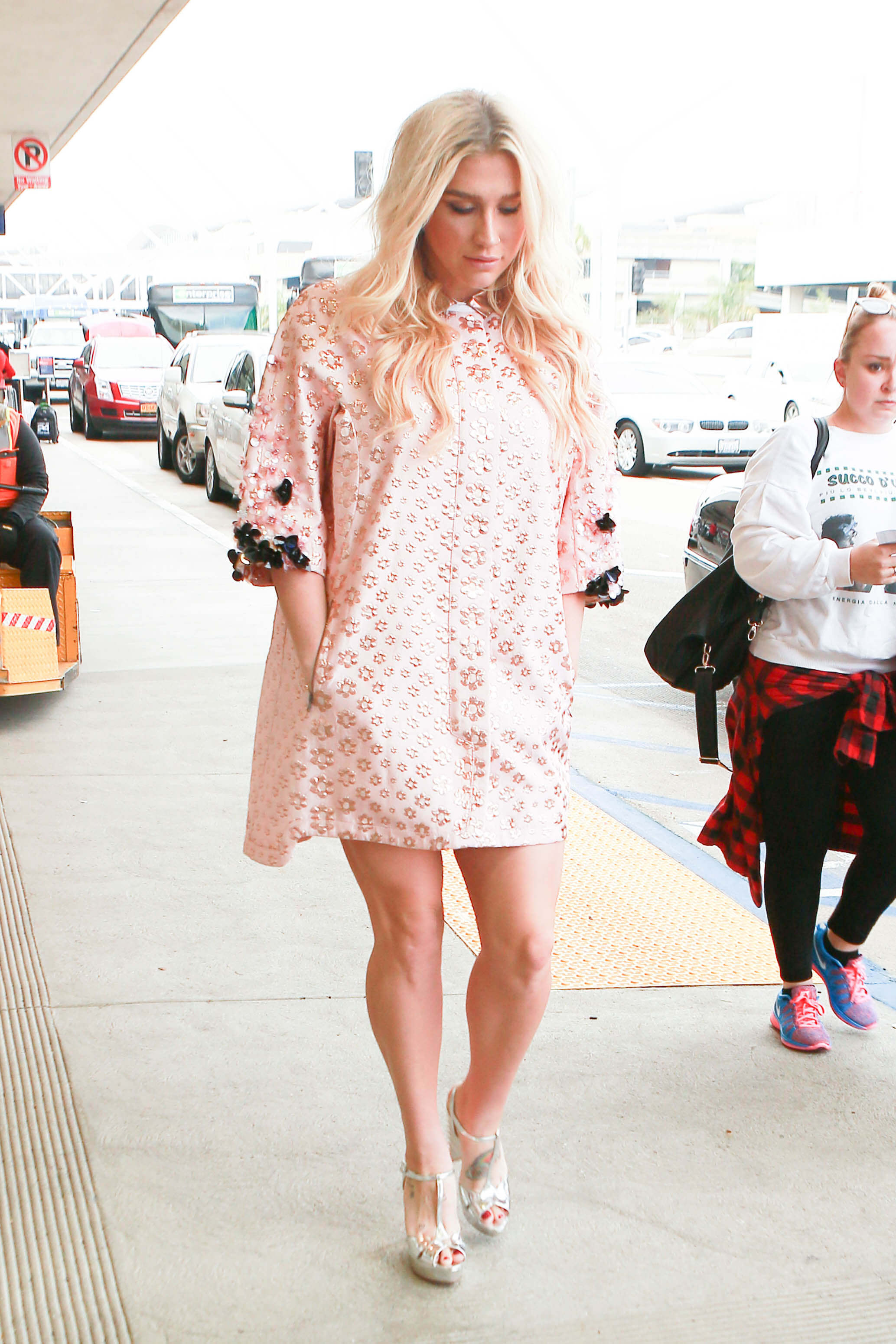 Kesha hot white dress