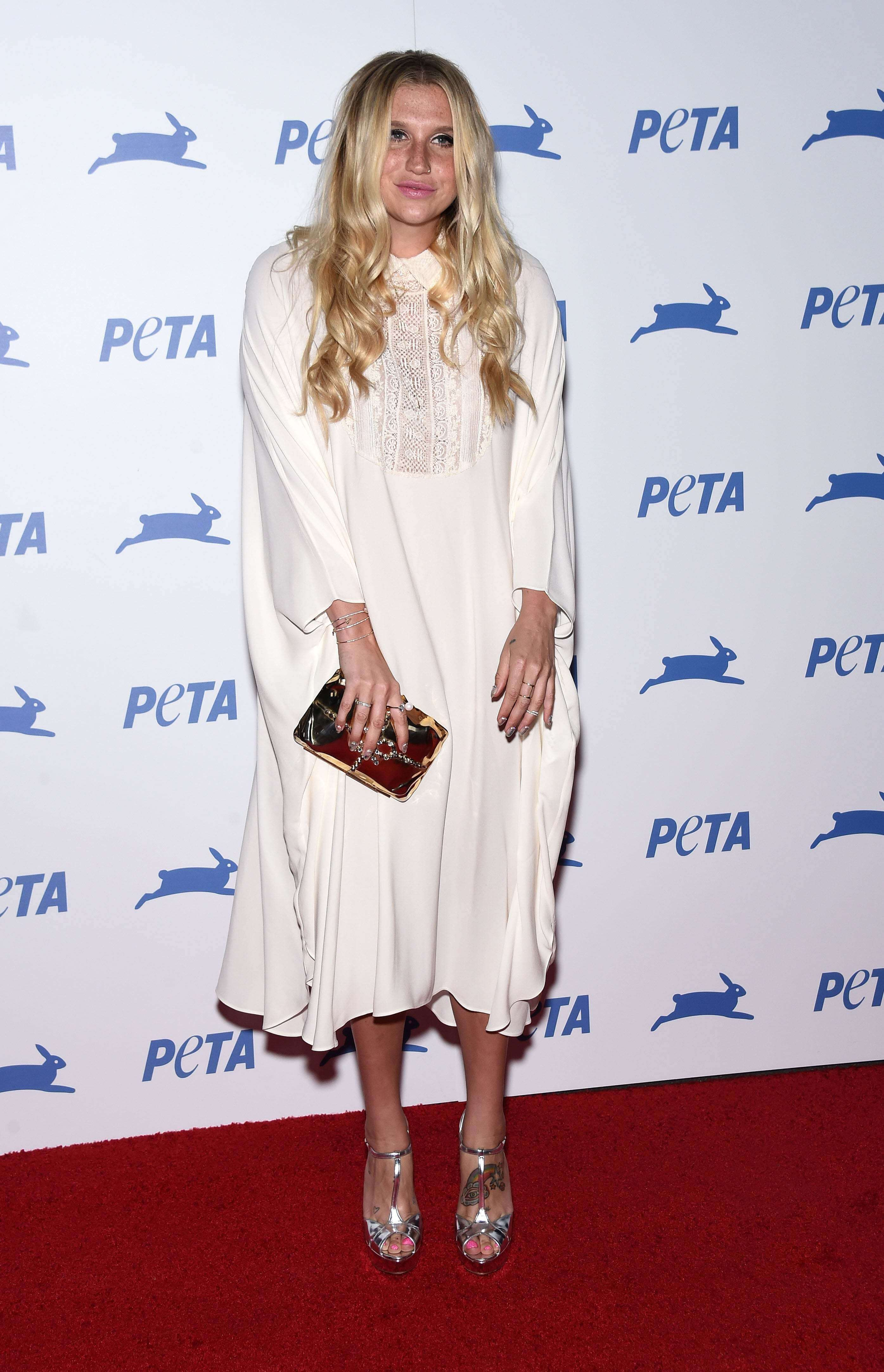 Kesha sexy white dress