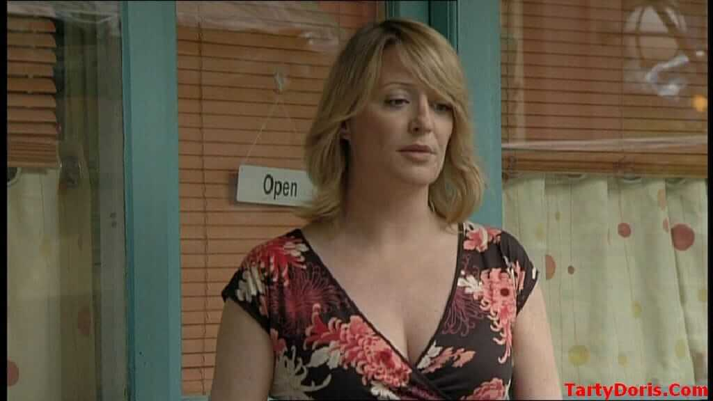 Laurie Brett cleavage photo (2)