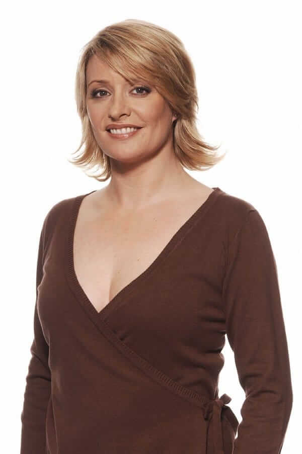 Laurie Brett cleavage pics