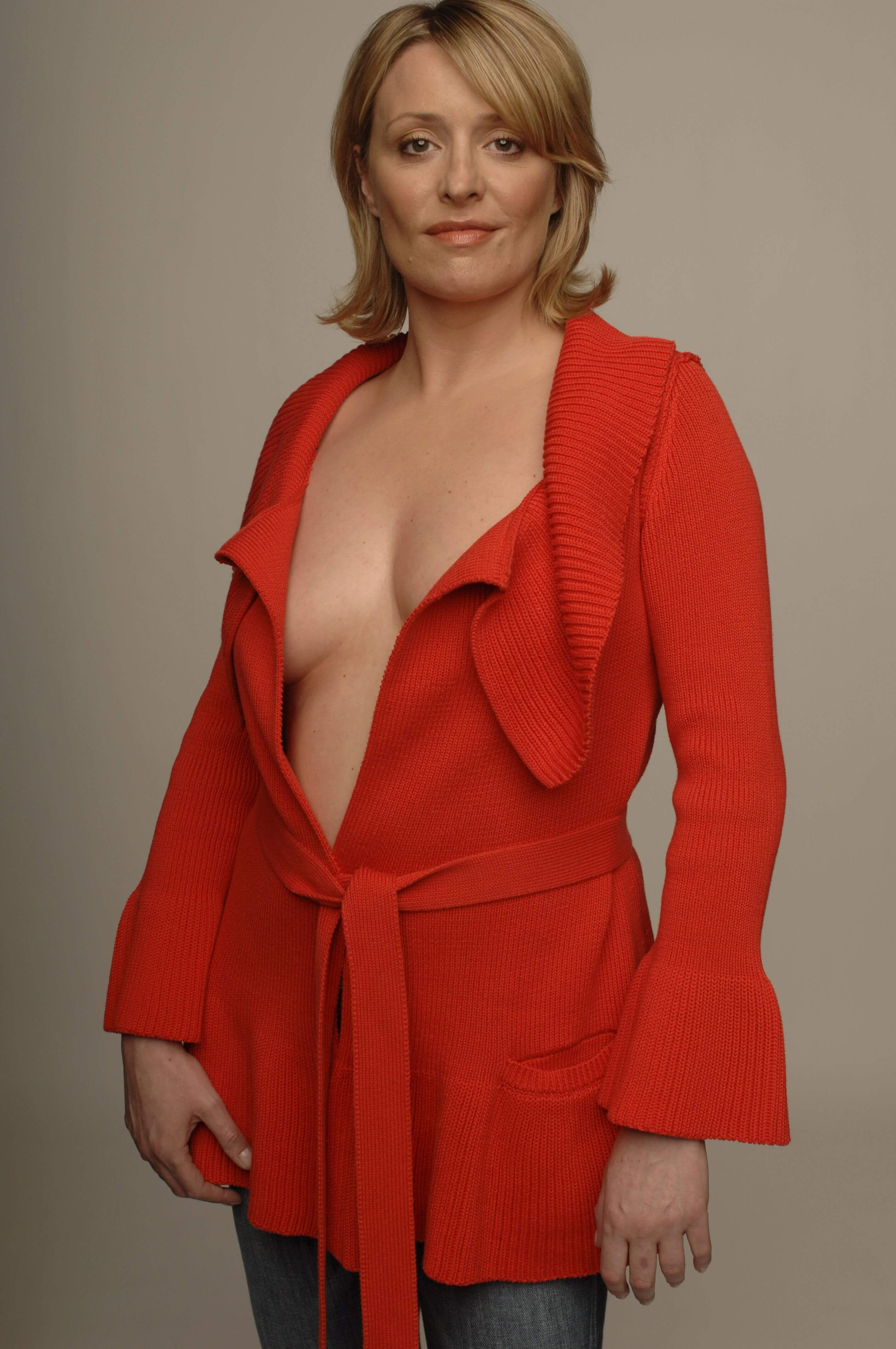 Laurie Brett sexy cleavage pics