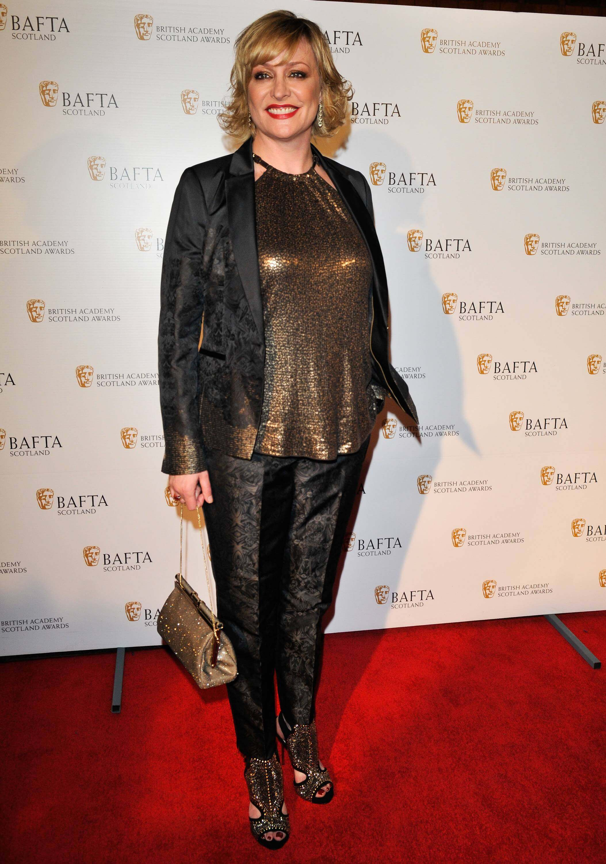 Laurie Brett sexy look pics