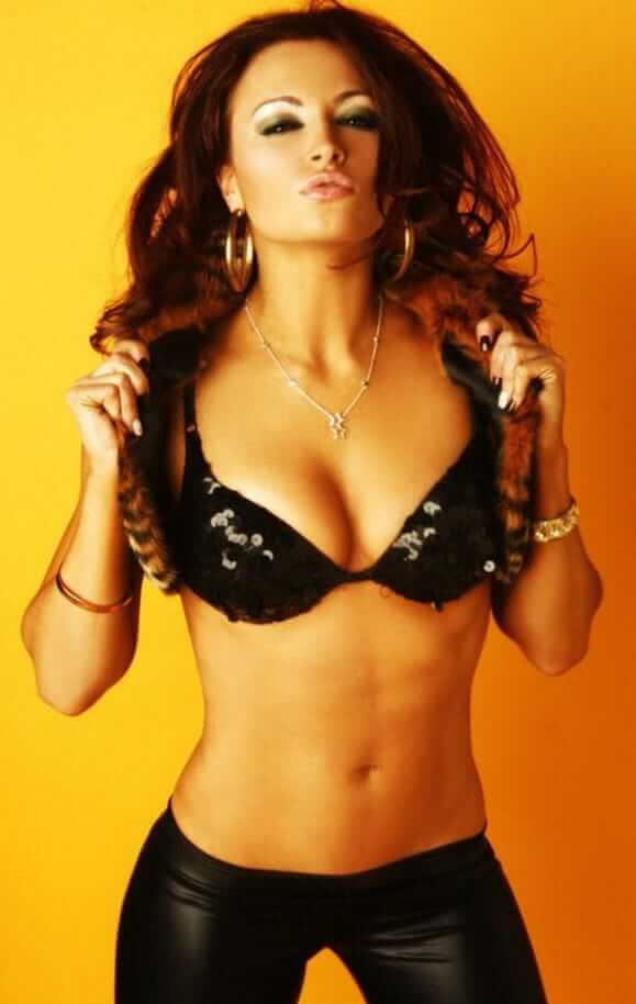 Maria Kanellis hot cleavage