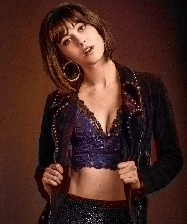 Mary Elizabeth Winstead awesome cleavage