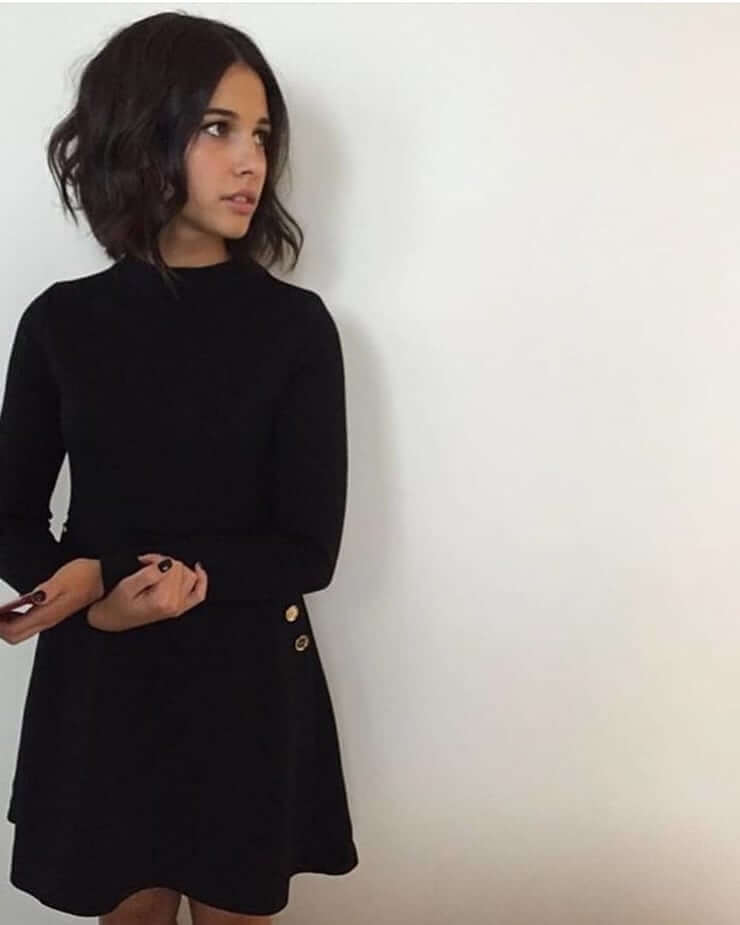 Naomi Scott hot picture (1)
