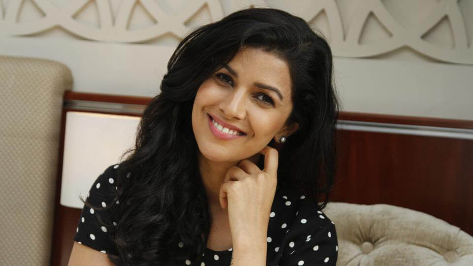 Nimrat Kaur awesome pics (2)