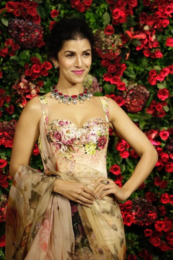 Nimrat Kaur cute and beautiful pictures (1)