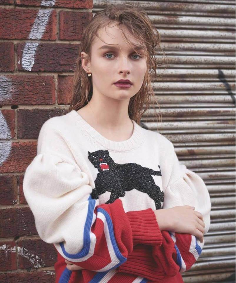 Olivia DeJonge awesome pictures (4)