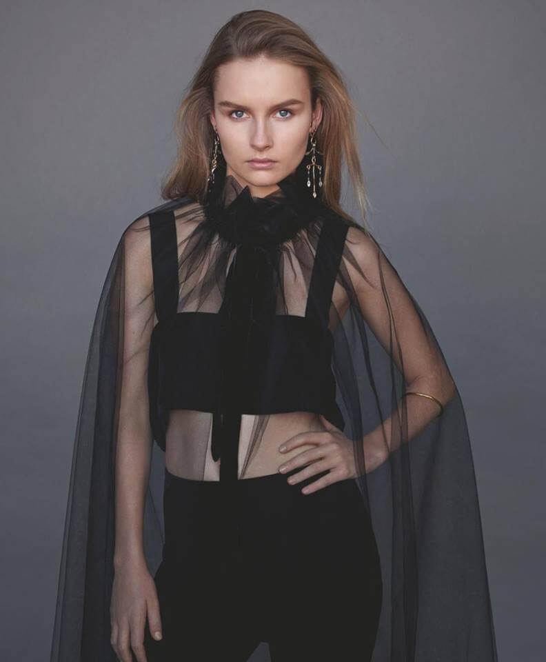 Olivia DeJonge awesome pictures