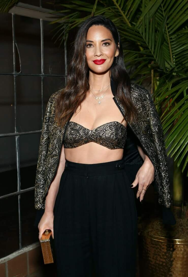 Olivia-Munn-big-boobs-cleavage