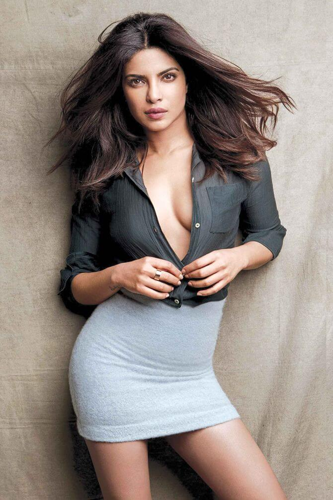 Priyanka Chopra hot cleavage picture