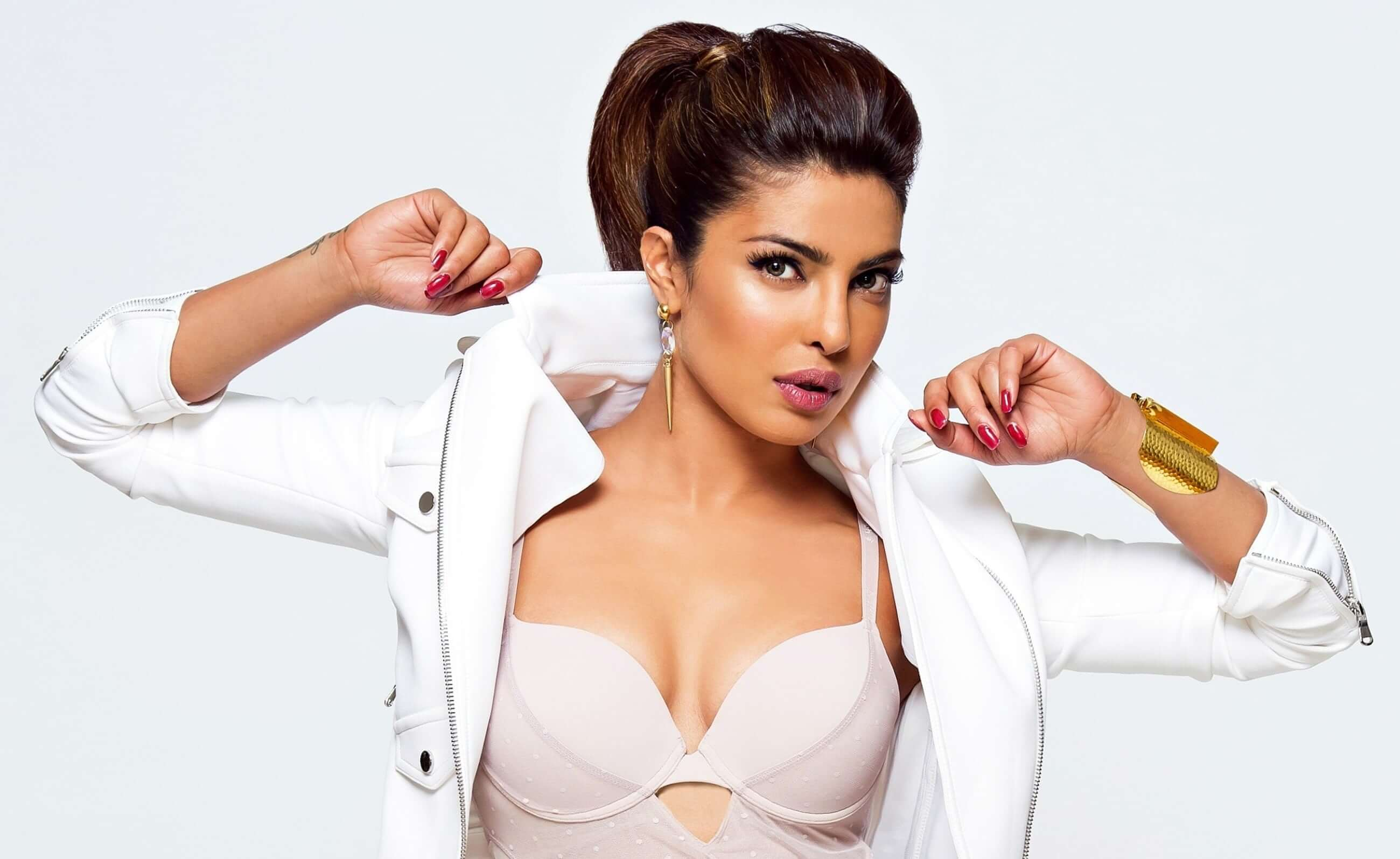 Priyanka Chopra hot pic