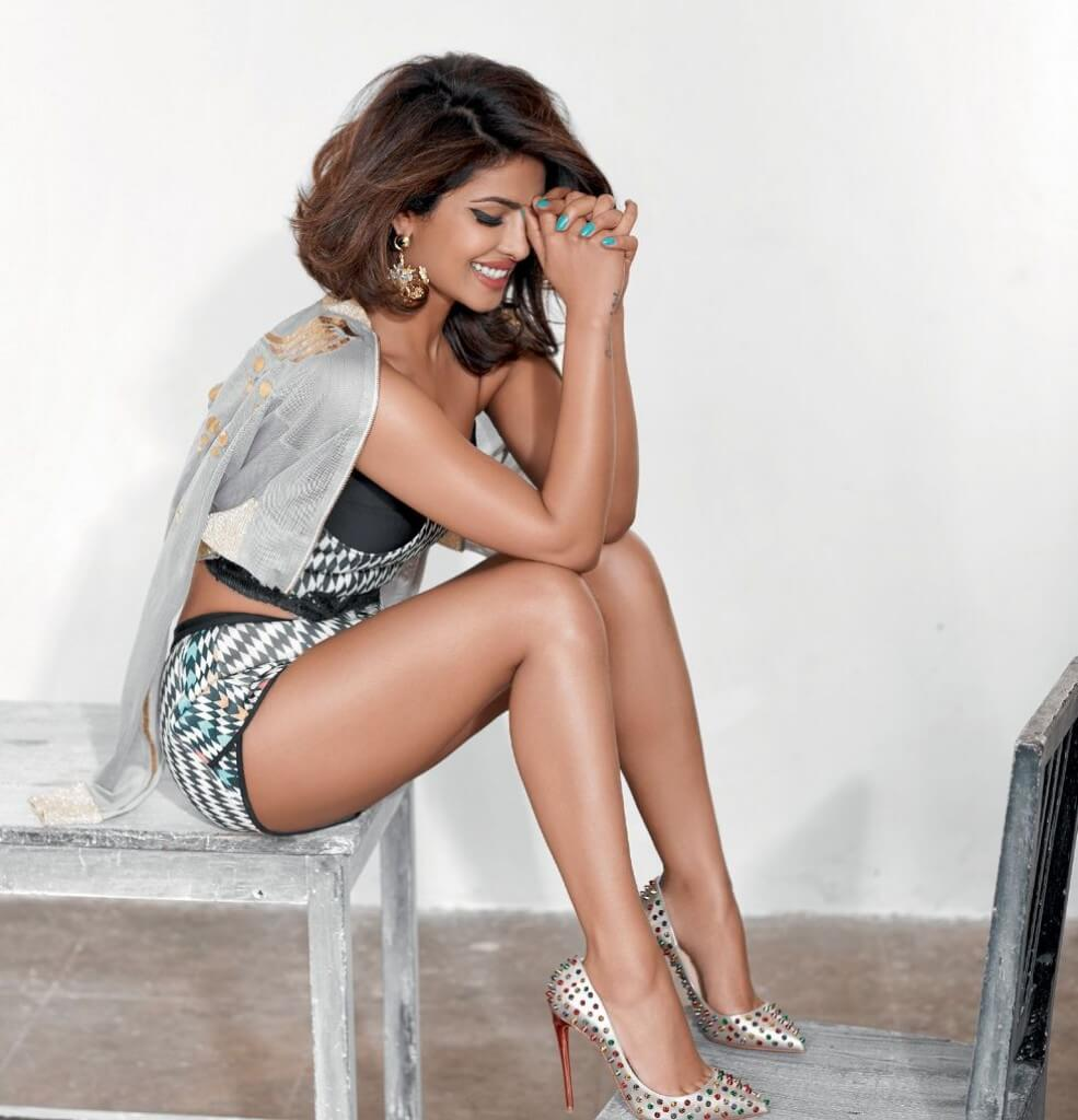 Priyanka Chopra hot tihghs