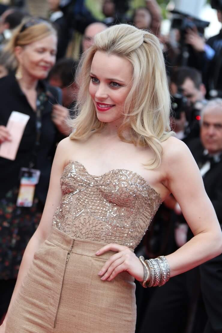 Rachel McAdams hot busty picture