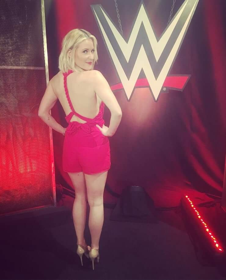 Renee Young sexy picture