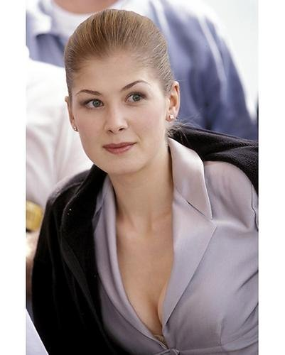 Rosamund-Pike-hot pictures
