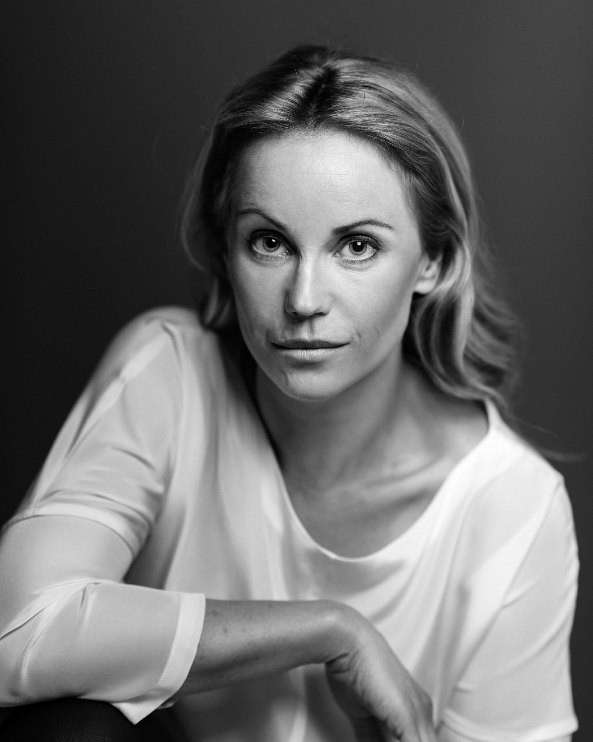 Sofia Helin hot pictures (1)