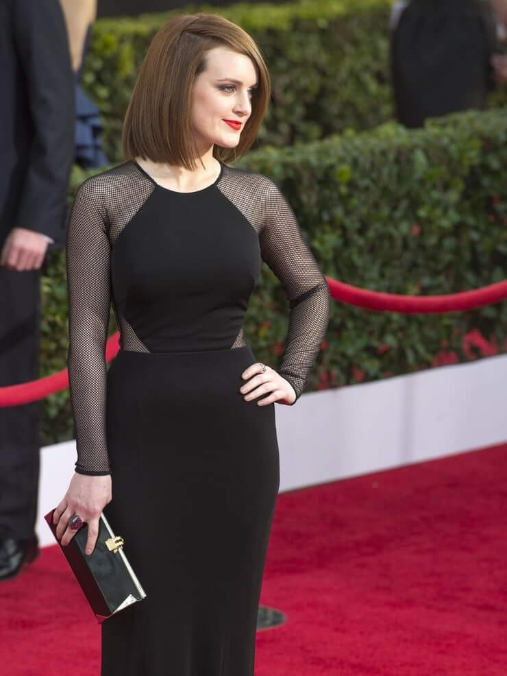 Sophie McShera sexy tite black dress