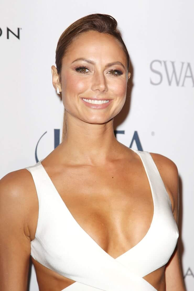 Stacy Keibler cute smile (3)