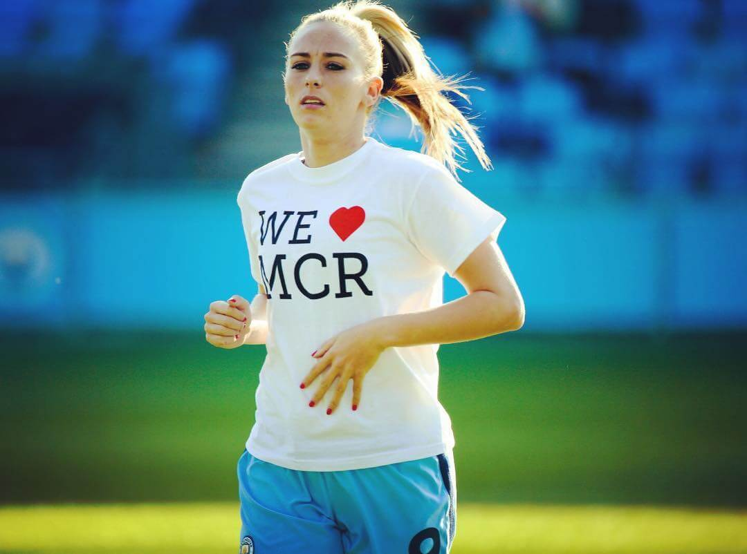 TONI DUGGAN hot look