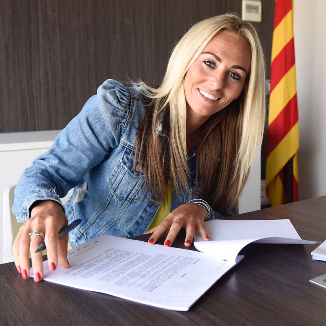 TONI DUGGAN sexy long hairs