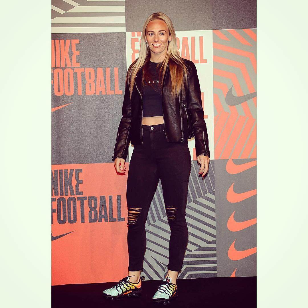 TONI DUGGAN tite black dress