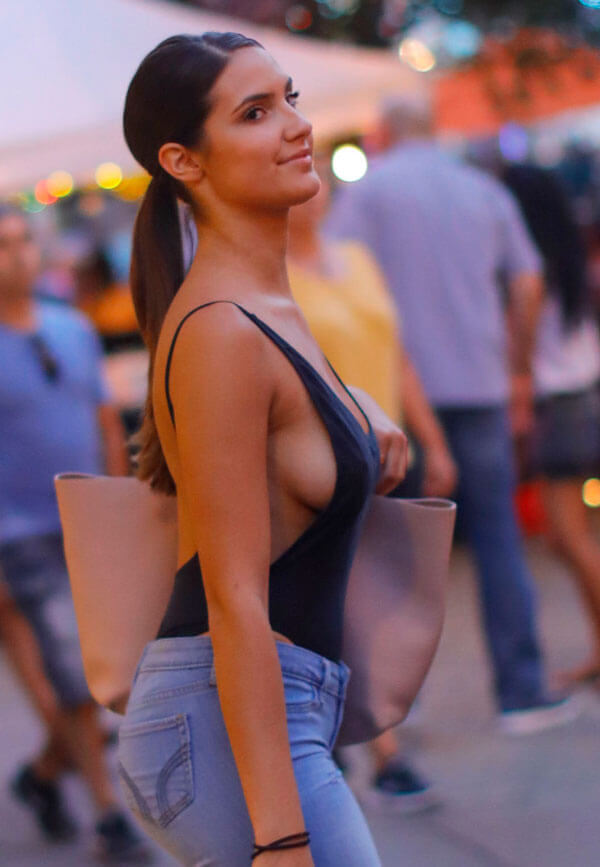 Tao Wickrath sexy cleavages pic