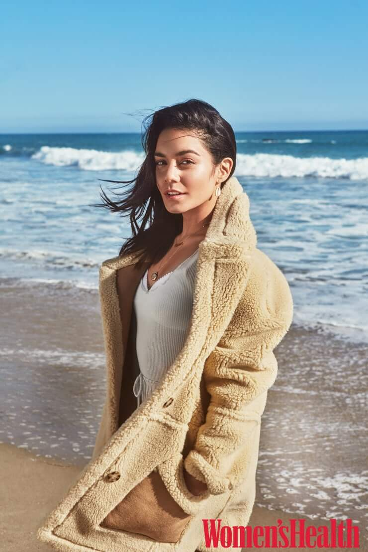 Vanessa Hudgens sexy side picture