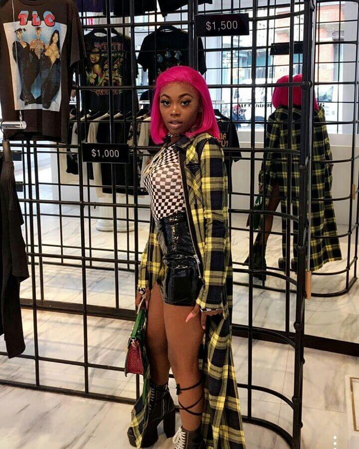 asian doll sexy thighs